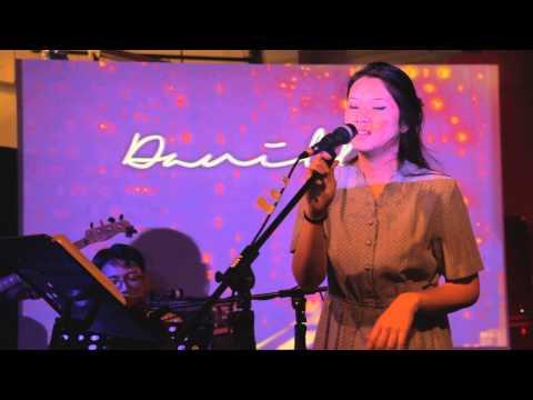 [LIVE] 2015.09.06 Danilla - Oh Jakarta feat. Mondo Gascaro