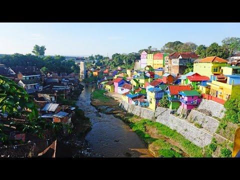 VLOG TRAVEL to Jodipan Colourful Village Malang East Java Indonesia