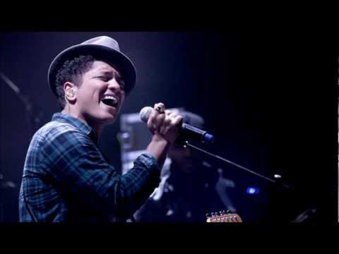 Bruno Mars - Liquor Store Blues Acoustic Live Rare Version 2011