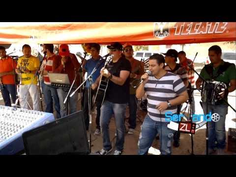 Los Mayitos De Sinaloa Ft. Banda Punto Medio - Dos Mujeres Bonitas (En Vivo 2013)