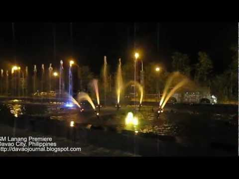 SM Lanang Premiere Dancing Fountain ( A Whole New World).mp4