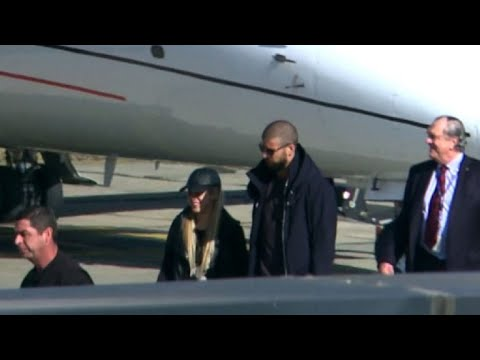 Shakira and Pique arrive in jet for Messi and Roccuzzo wedding