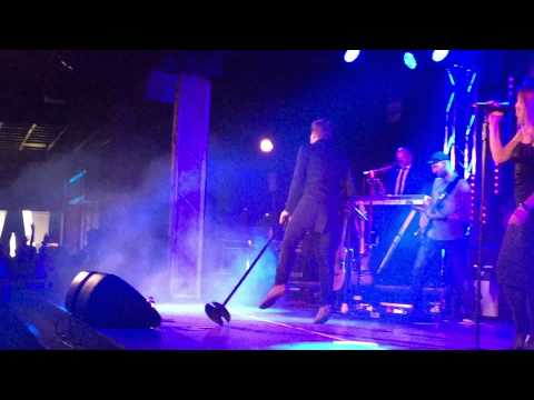 Jason Donovan - Nothing Can Divide Us (clip) | Butlins 31-91-2015