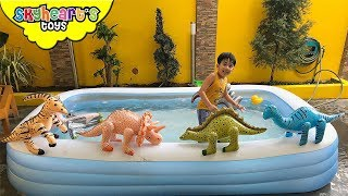 SWIMMING WITH BABY DINOSAURS - Skyheart's Inflatable Toy Dinosaurs for kids balloon water