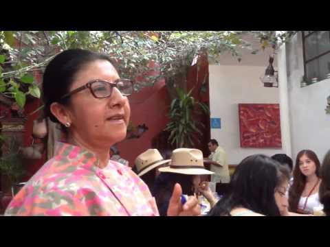 Celia Florian explica el Mole de Caderas