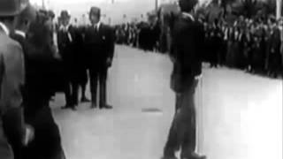 Charlie Chaplin : Kid Auto Races At Venice Beach (1914)