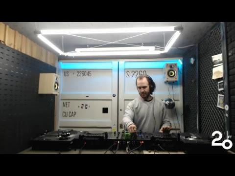 Kaan Duzarat @20ft Radio