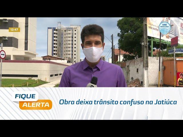 Obra deixa trânsito confuso na Jatiúca