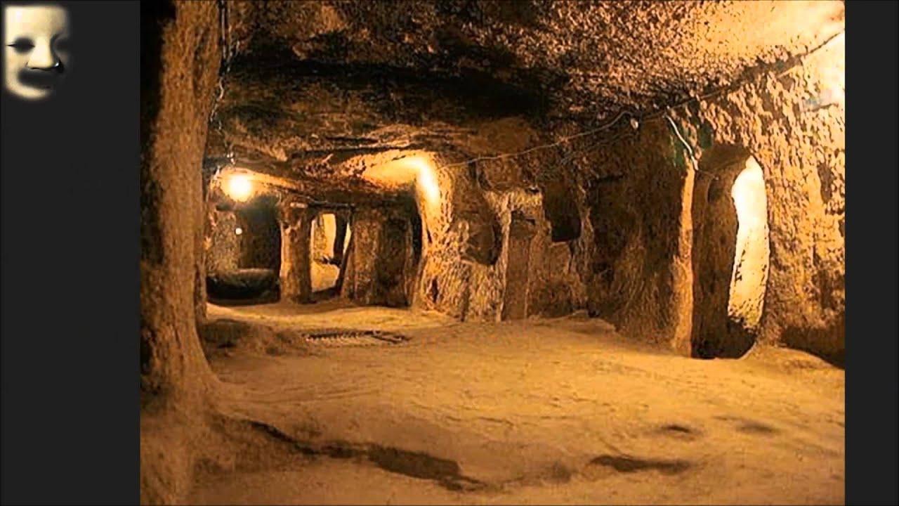 【都市伝説】元CIAが語る「地底人」の謎。。「彼らは高度な文明を持っていた・・・」 - YouTube