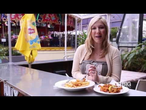 Caught 'N Cooked Fish And Chips Restaurant In Broadbeach QLD Serving Burger And Seafood