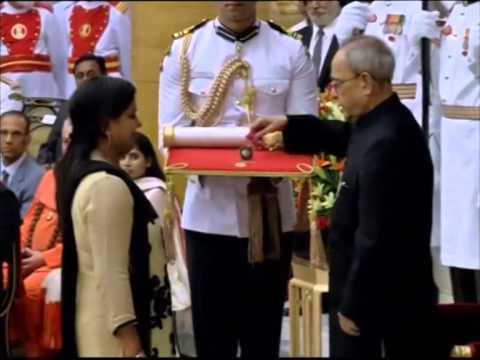Amitabh Bachchan, Prince Karim Aga Khan receive India