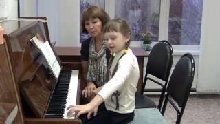 Упражнения по организации игрового аппарата начинающего пианиста.