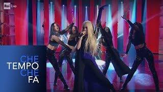 """Ava Max canta """"Sweet but Psycho"""" - Che tempo che fa 03/03/2019"""