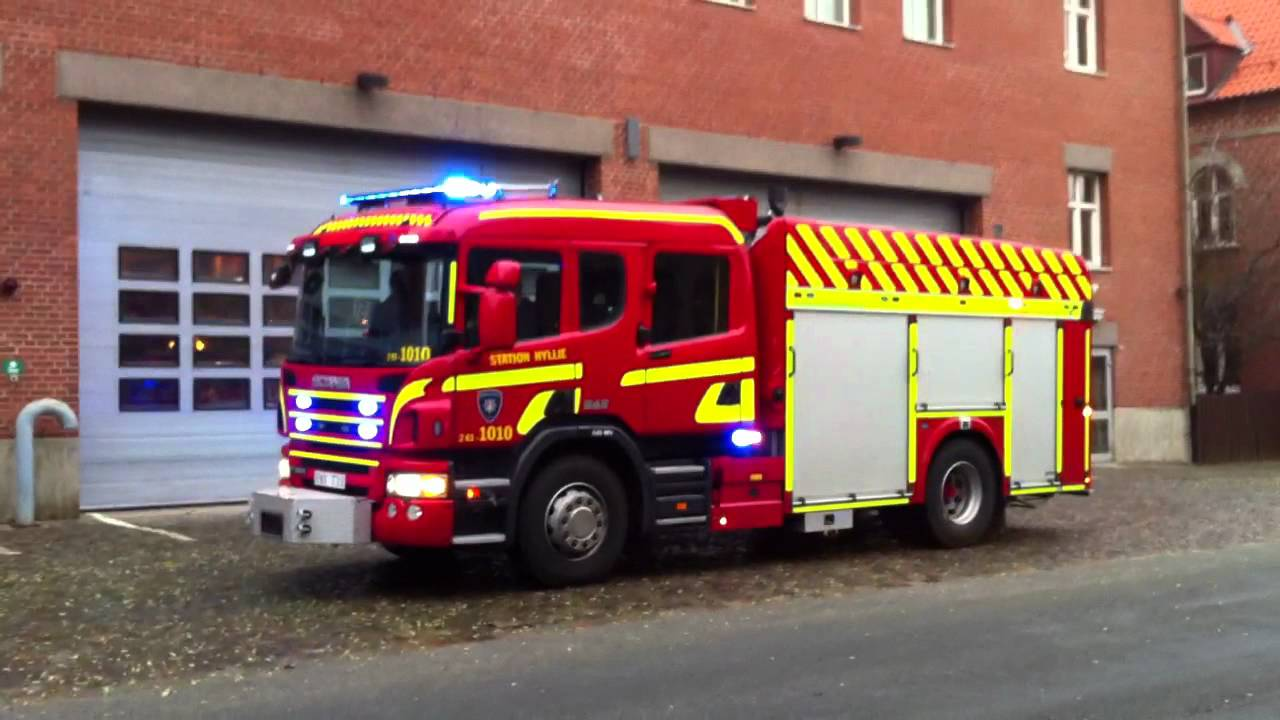 Standby equiped fire engine with the new standby lightbar youtube standby equiped fire engine with the new standby lightbar aloadofball Choice Image