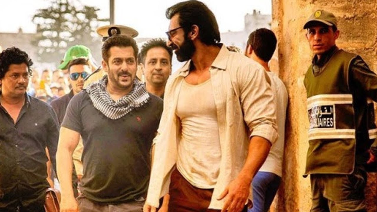 Salman Khan Clicks With Nawaab Shah @ Abu Dhabi