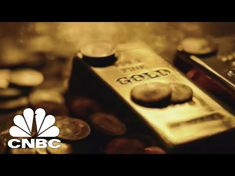 Gold Is Getting Hammered As The Dollar Soars | Trading Nation | CNBC