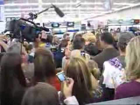 Taylor Swift buying Fearless at Hendersonville Walmart