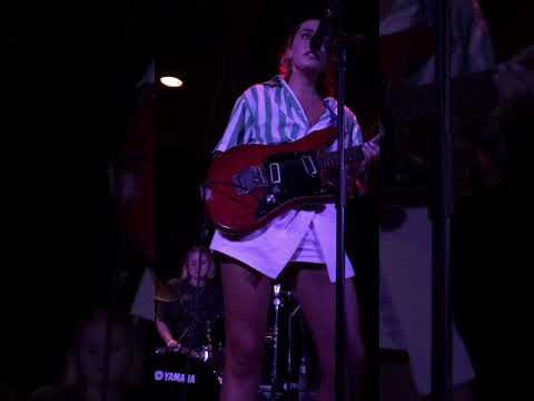 Hinds - Tester Live @ Soho Music Club Santa Barbara, CA 9/22/2018