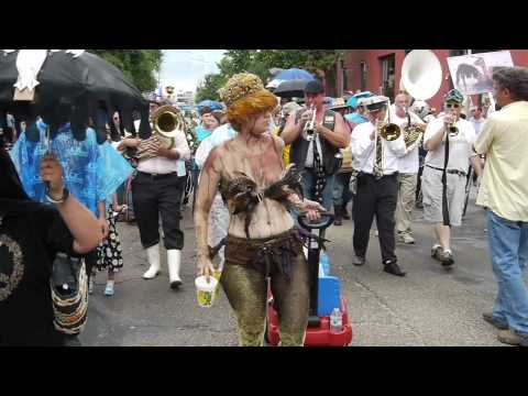 Krewe of Dead Pelicans: A protest against the BP oil spill