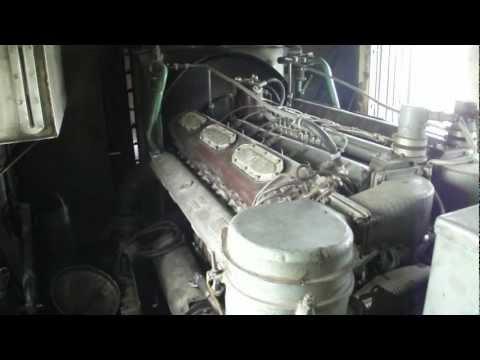 Запуск двигателя-Start of Russian diesel engine.avi