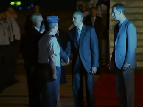 Raw: Obama Arrives for Abbreviated Spain Visit