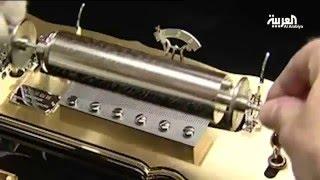 تصنيع الصندوق الموسيقي عملية معقدة