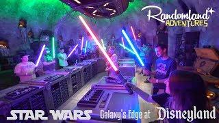 STAR WARS Galaxy's Edge at NIGHT! Custom Lightsabers, Interactive Hacks, and FOOD at Disneyland