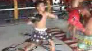 2 Thai kids battle it out in the ring!