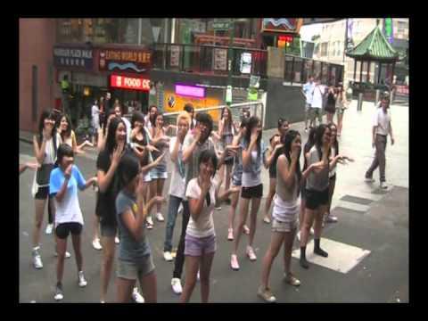 110124 Sydney K-Pop Flash Dance Mob - YaYaYa (야야야)...