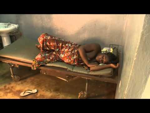Babyboom in Afrika, Sandra en Caroline Tensen met Cordaid Memisa in Kameroen. Deel 1