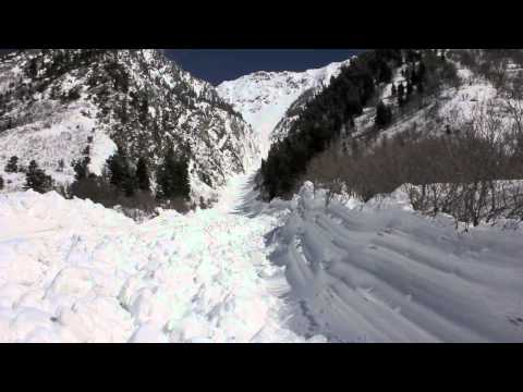 Little Cottonwood Canyon avalanches 4-27-2011.mov