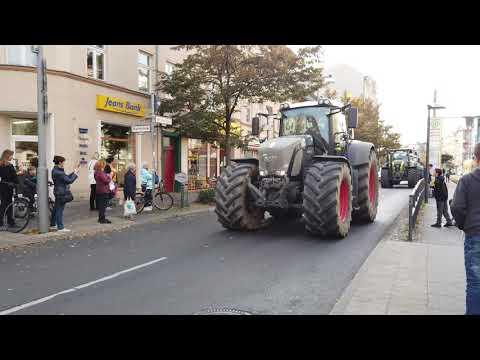 Traktoren Demo Berlin 4K