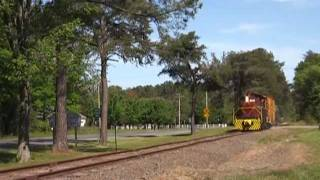 Little(Train), Big Horn; Delaware Coast Line Alco T-6 west out of Milton, DE