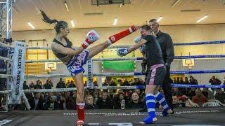 17-jährige Thai-Boxerin besiegt 30-jährige Gegnerin: Power-Pia schnappt sich Meistertitel