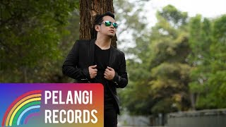 Video Pop - Teguh Permana - Entah Siapa (Official Music Video) download MP3, 3GP, MP4, WEBM, AVI, FLV Oktober 2018