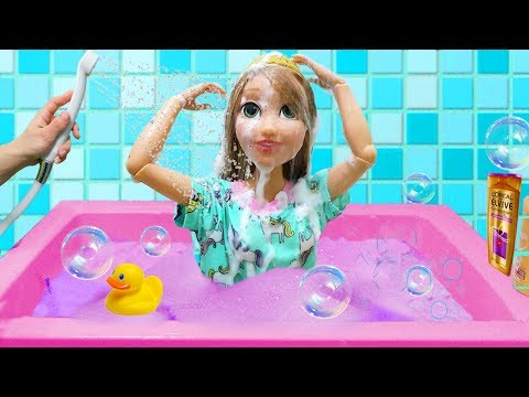 Giant Princess Rapunzel pretend play Morning Routine