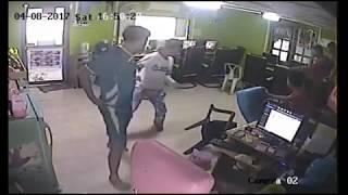 Pinoy Funny Video Tinuklaw ng ahas !!!