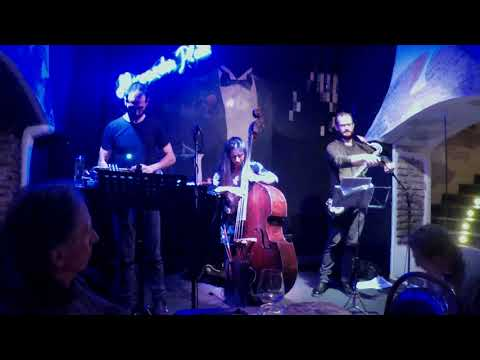 Federica Michisanti Horn Trio - Morning Sewing mp3 baixar