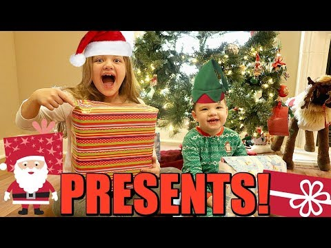 Sibling Christmas Gift Exchange! Opening Christmas Presents Early! Sister VS Brother Opening Present