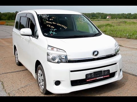 Toyota Voxy с аукциона Японии