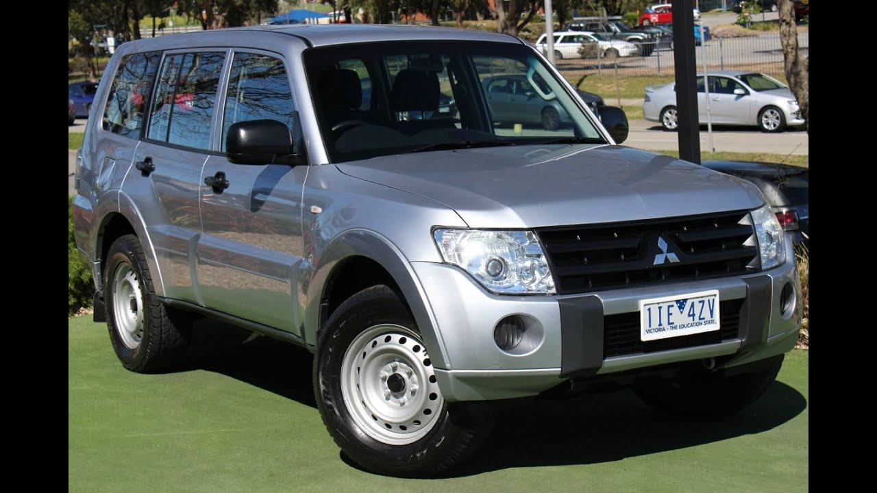 b5754 2011 mitsubishi pajero gl nt manual 4x4 my11 walkaround rh youtube com mitsubishi pajero 2011 workshop manual pajero 2011 manual pdf
