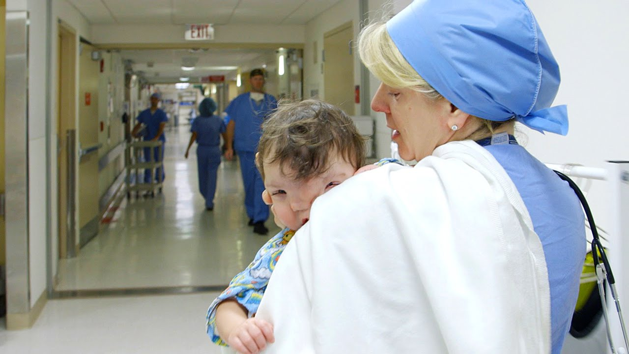 Hospital operating room - Violet S Journey Part Three Inside The Operating Room Boston Children S Hospital Youtube