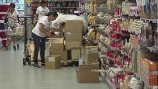 Venezolanos viajan a Aruba en busca de comida