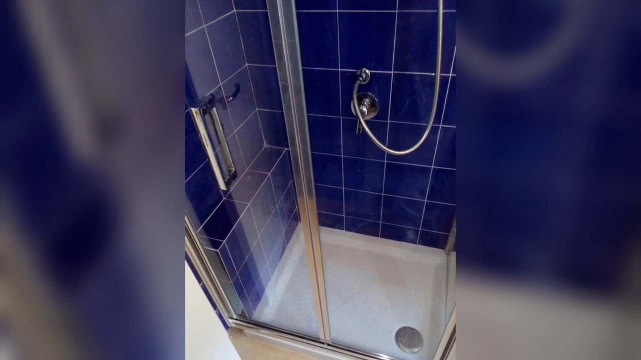 Trasformare Bagno In Doccia.Trasformazione Di Vasca Da Bagno In Doccia Youtube