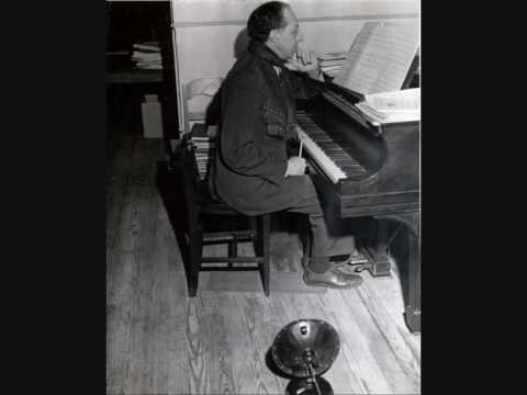 AARON COPLAND plays The Cat & The Mouse
