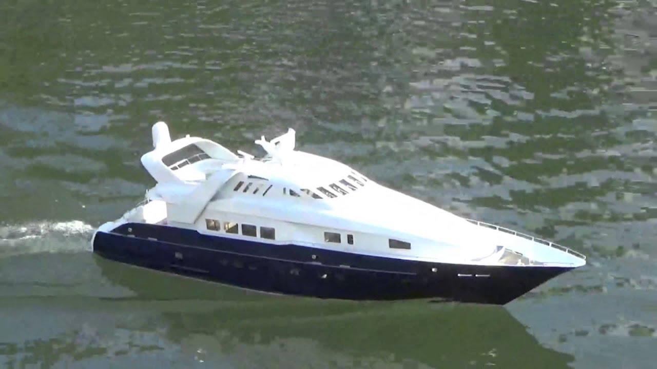 Moonraker scale model yacht