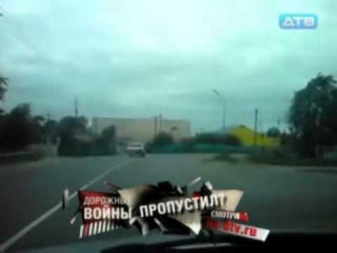 Стрежевой, водитель Волги заехал за покупками.flv