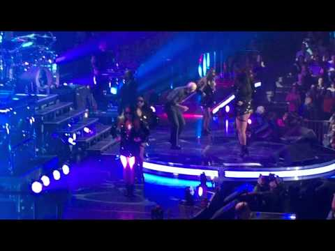 Enrique Iglesias y Pitbull Complete @ Denver Co  Pepsi Center