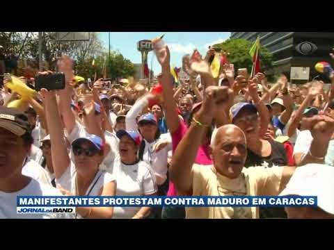 Manifestantes protestam contra Maduro em Caracas