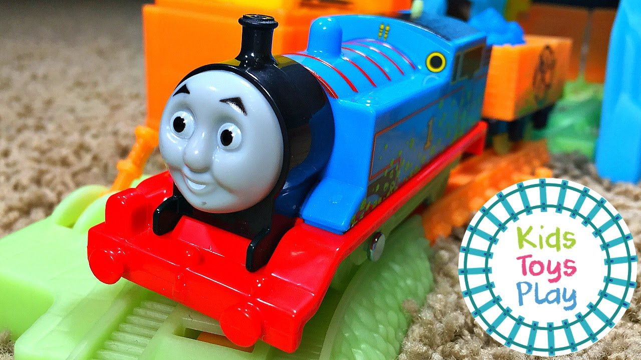 Thomas and Friends Trackmaster Glowing Mine Set Unboxing